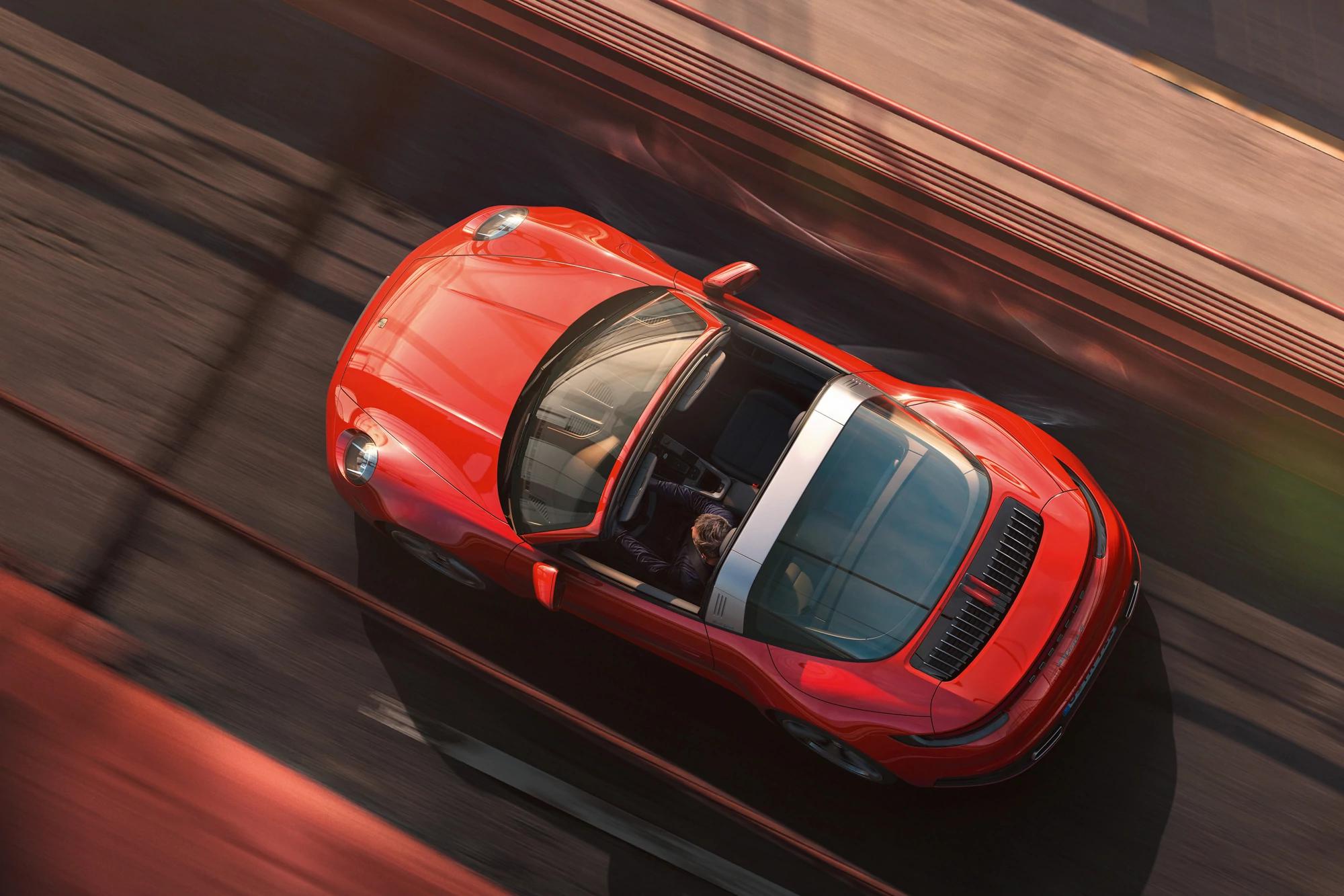 Porsche 911 Targa 4 and 4S Keep Retro Looks for New Generation