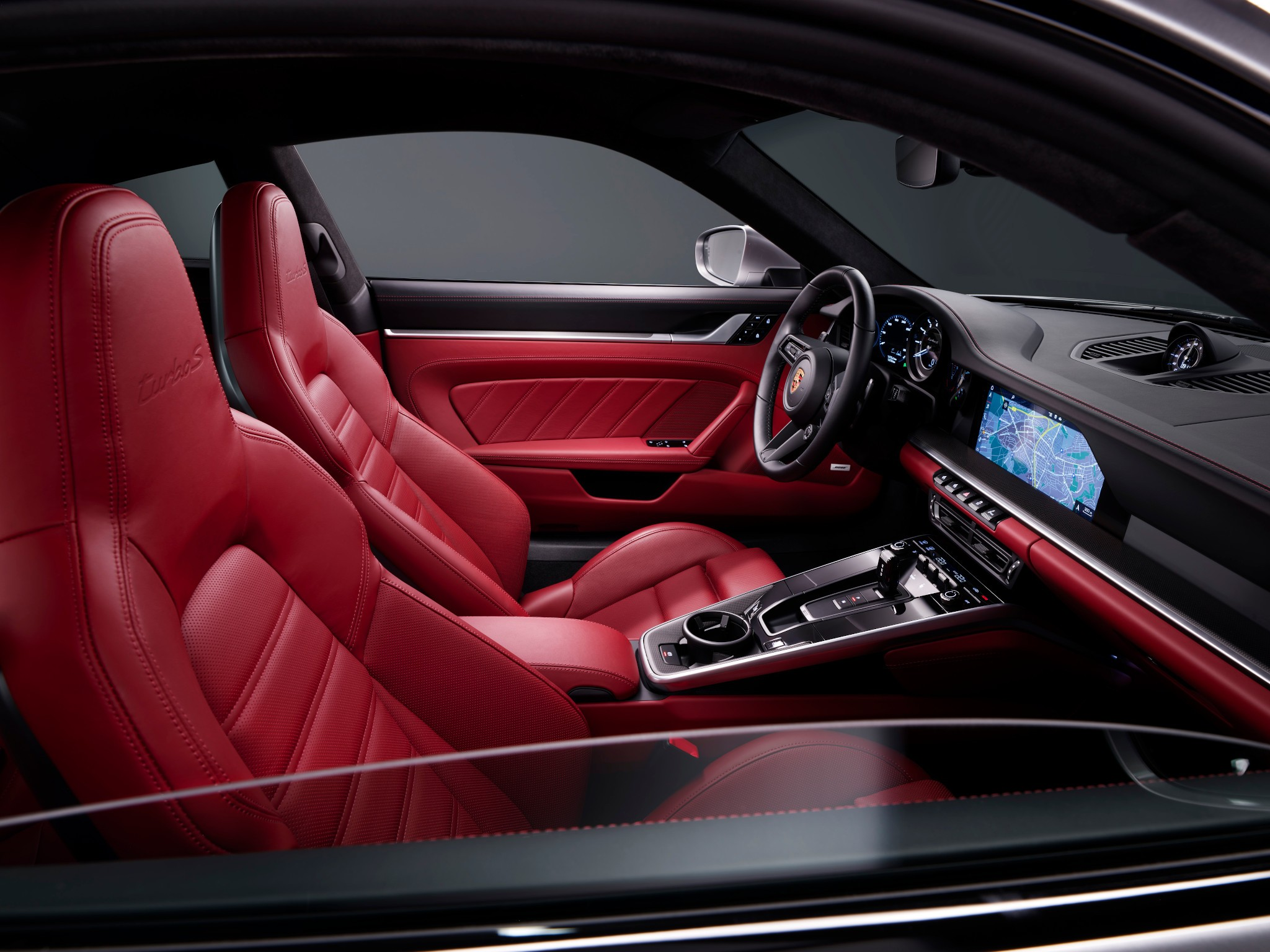 porsche-911-turbo-s-2021-1-front-row--interior--red.jpg