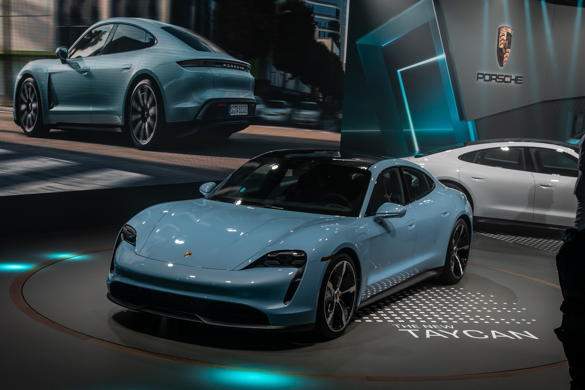 2020 Porsche Taycan 4s Makes Your Money And You Go A Little Further News Cars Com