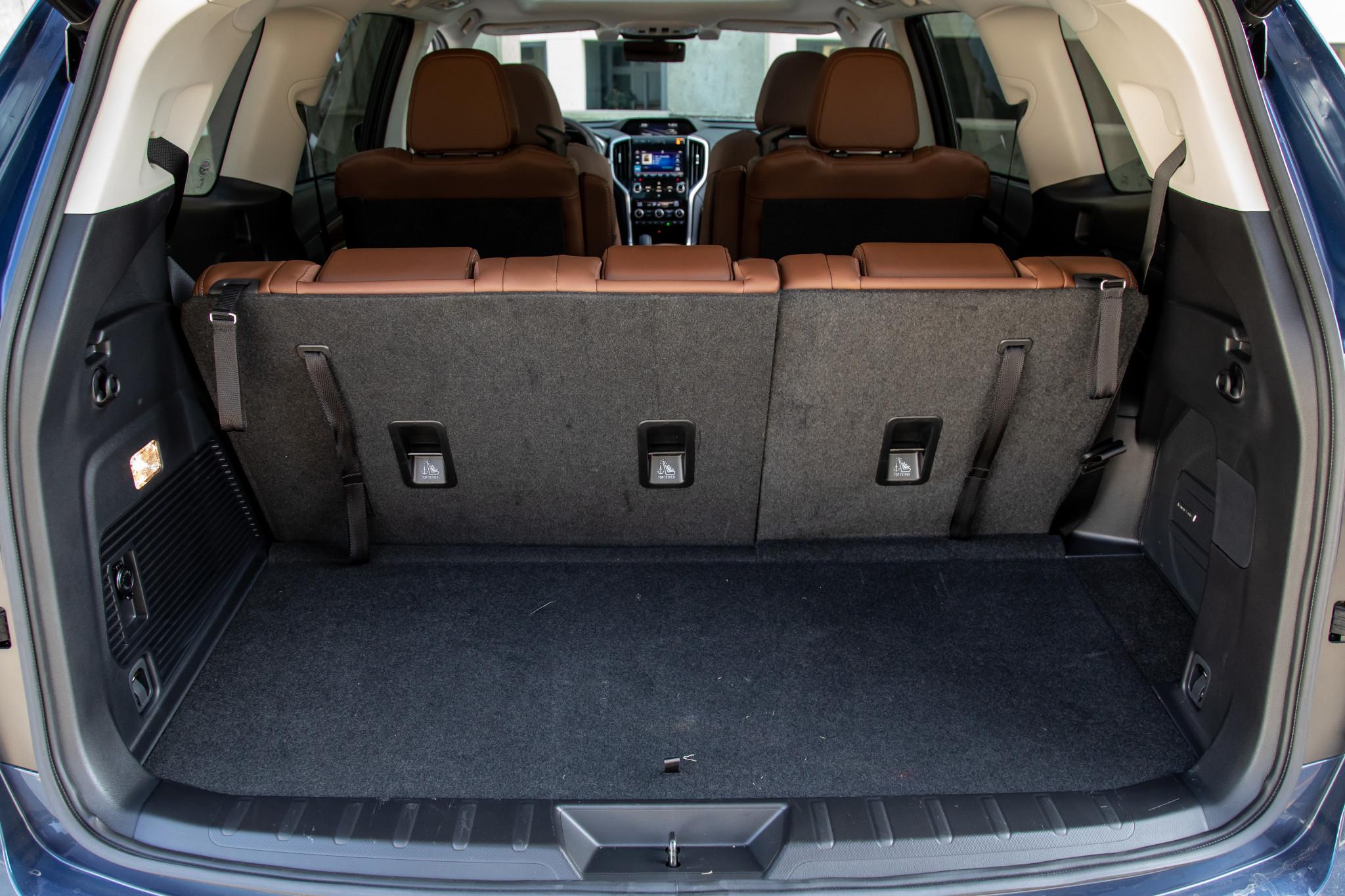 subaru-ascent-touring-awd-2020-47-interior--trunk.jpg
