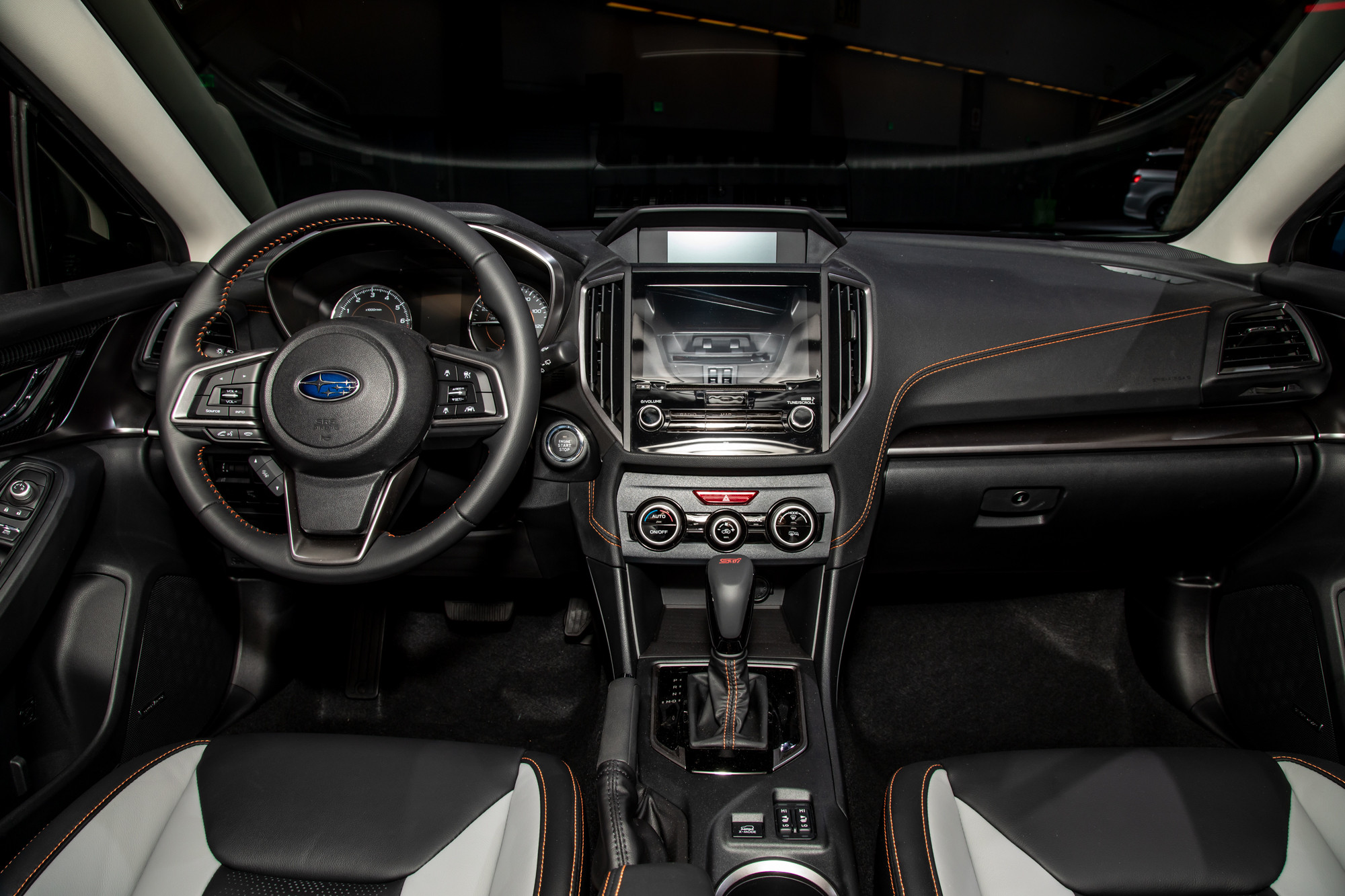subaru-crosstrek-2020-04-cockpit-shot--interior.jpg