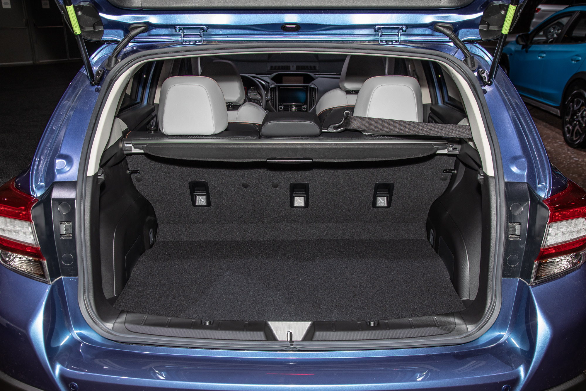 subaru-crosstrek-2020-09-interior--trunk.jpg