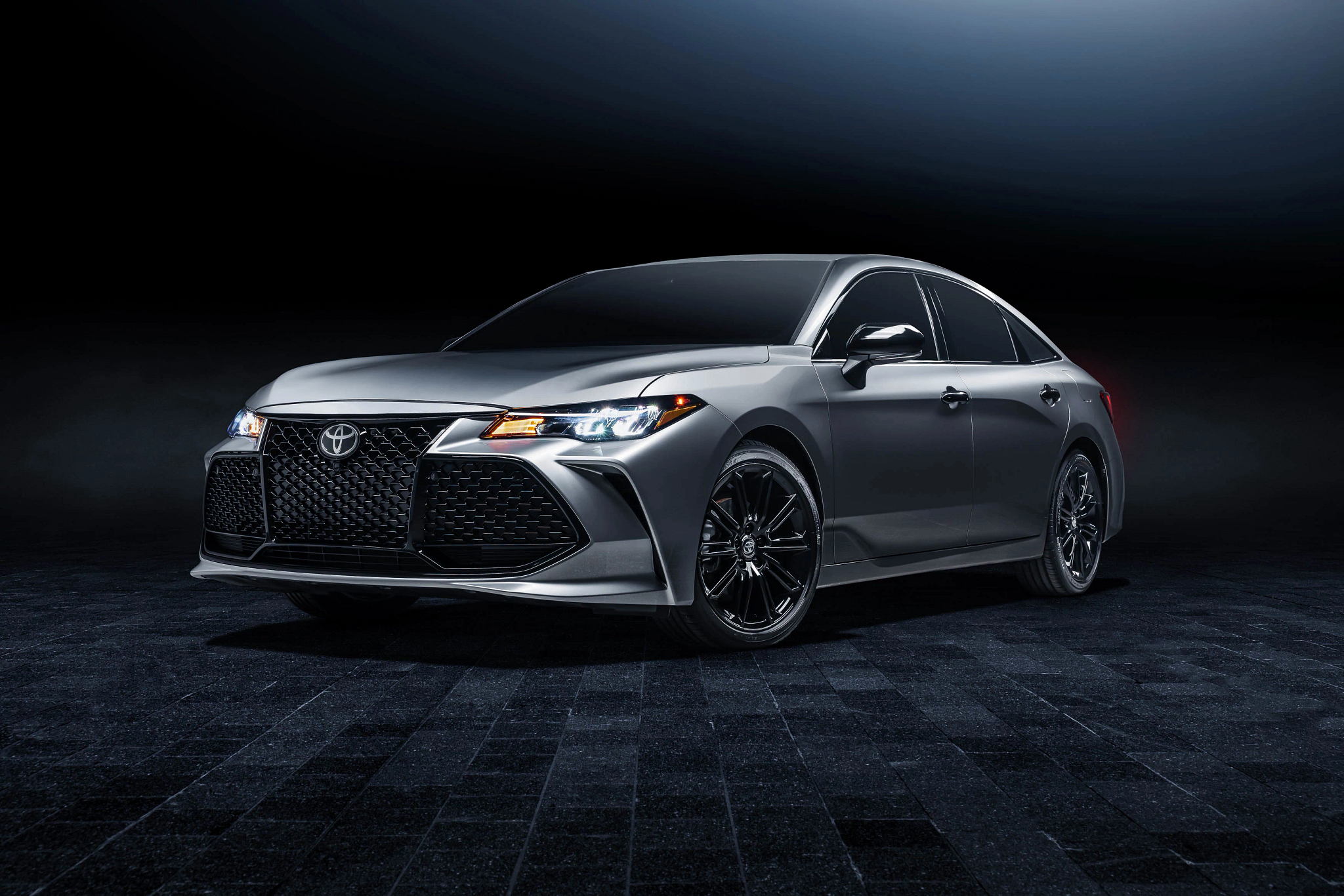 2021 Toyota Avalon Adds All-Wheel Drive, Android Auto, Nightshade Edition