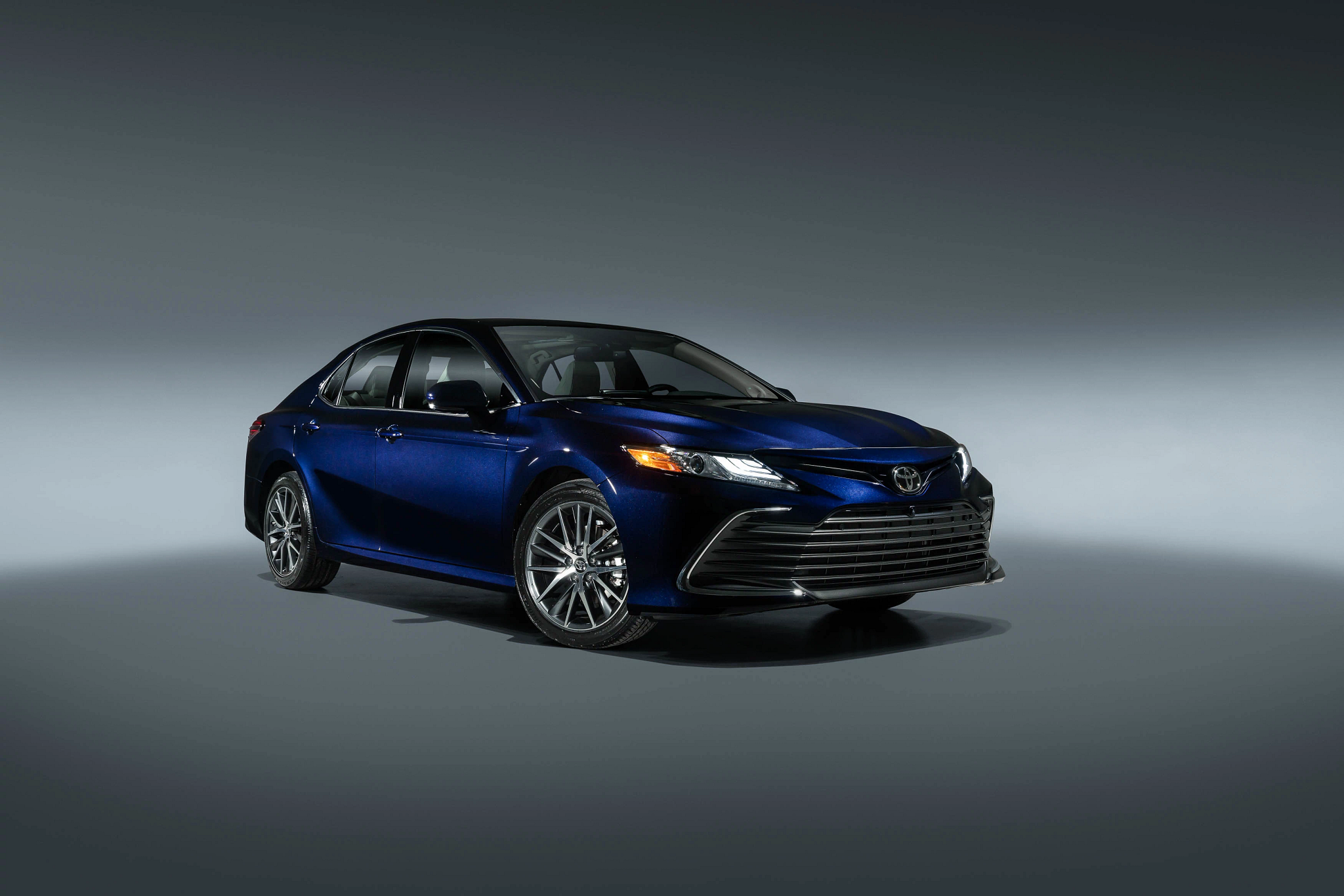 2021 Toyota Camry and Camry Hybrid Get Safety, Tech Upgrades