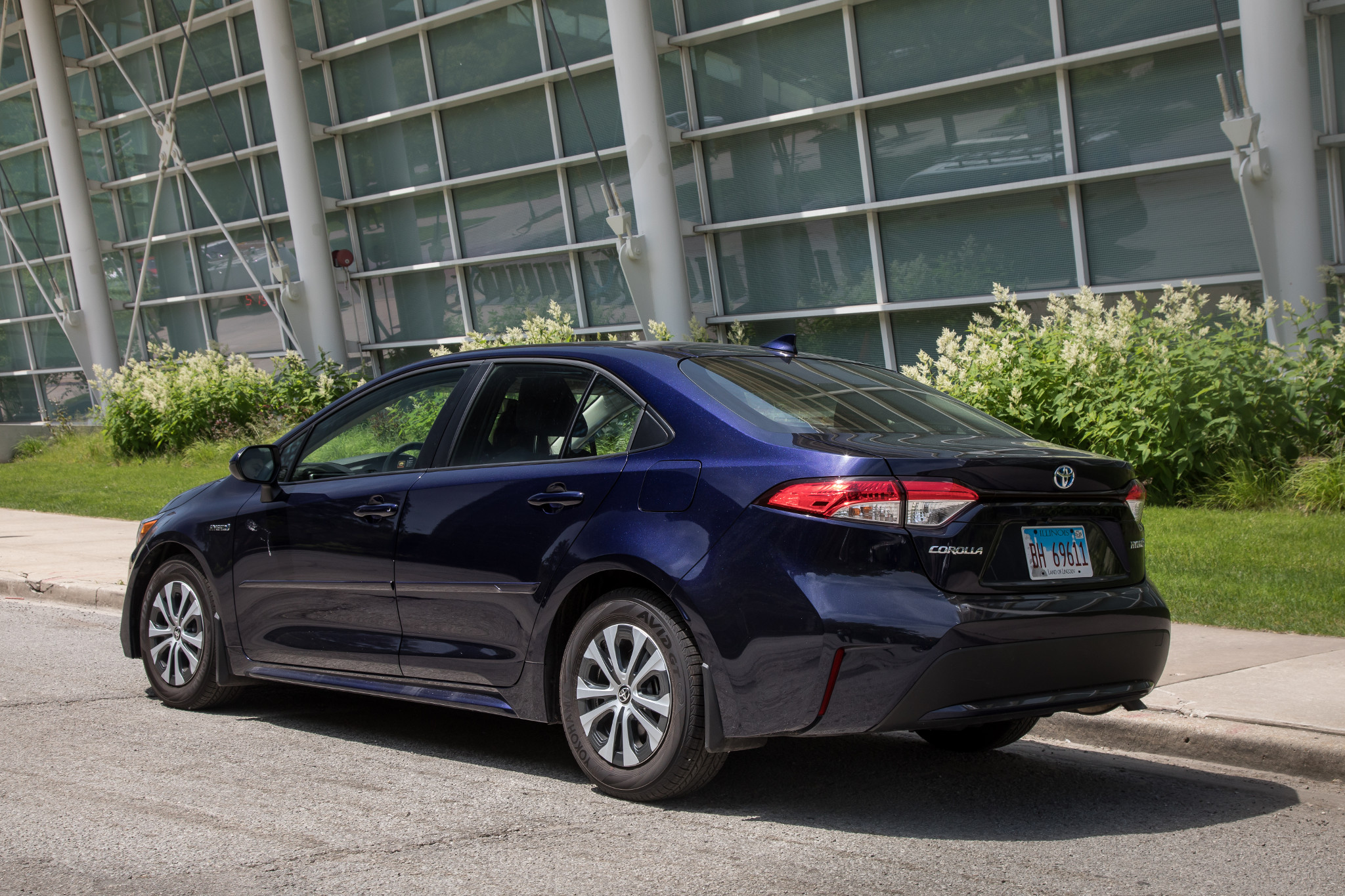 Top 5 Reviews and Videos of the Week: 2020 Toyota Corolla Hybrid Opposes Outback
