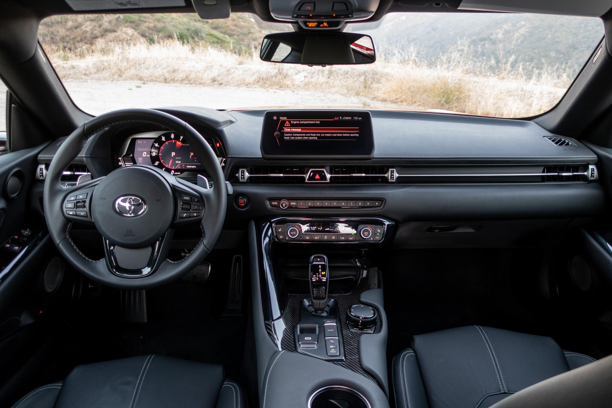 toyota-supra-2020-17-cockpit-shot--front-row--interior.jpg