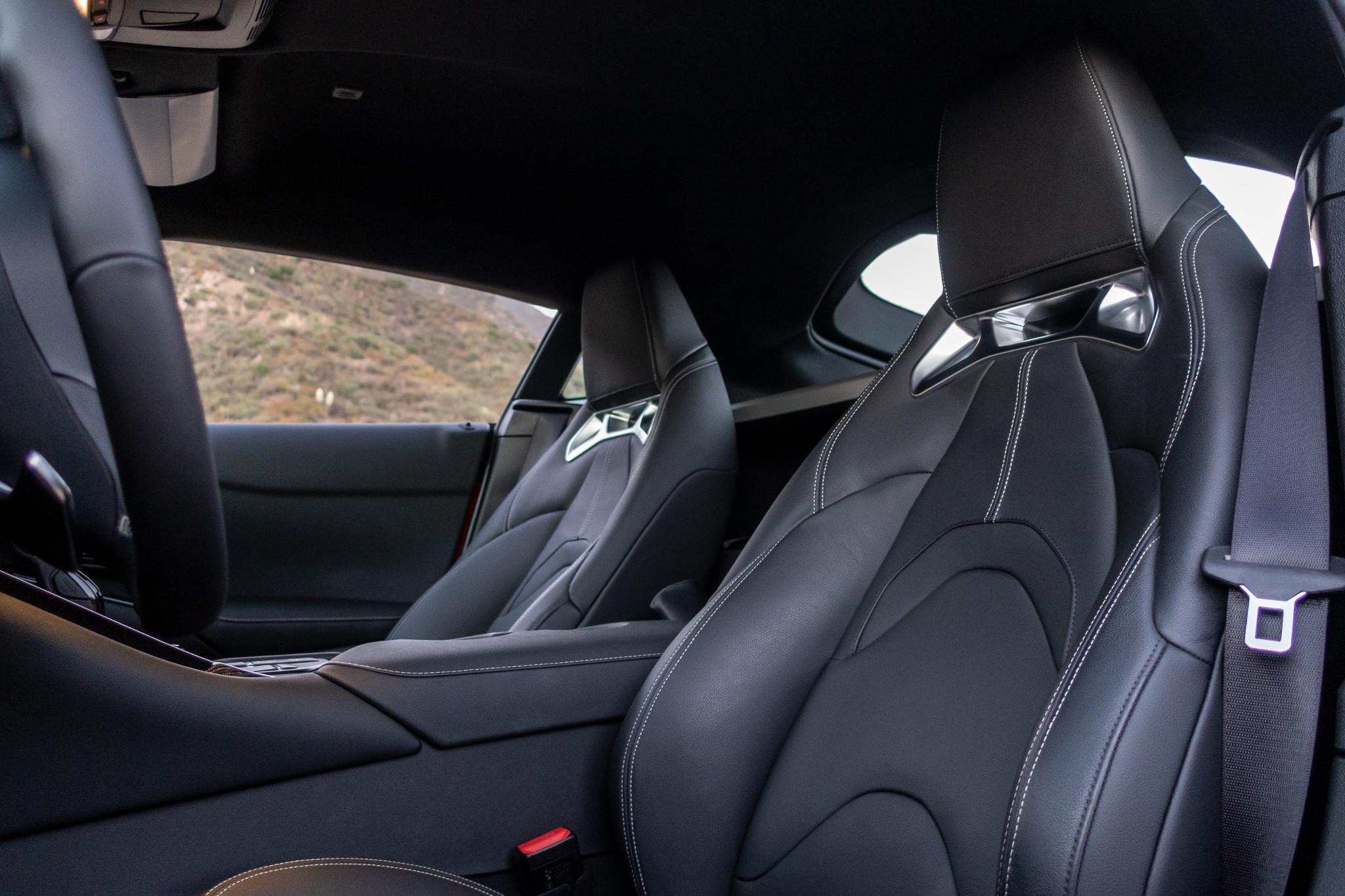 toyota-supra-2020-18-front-row--interior--seat.jpg