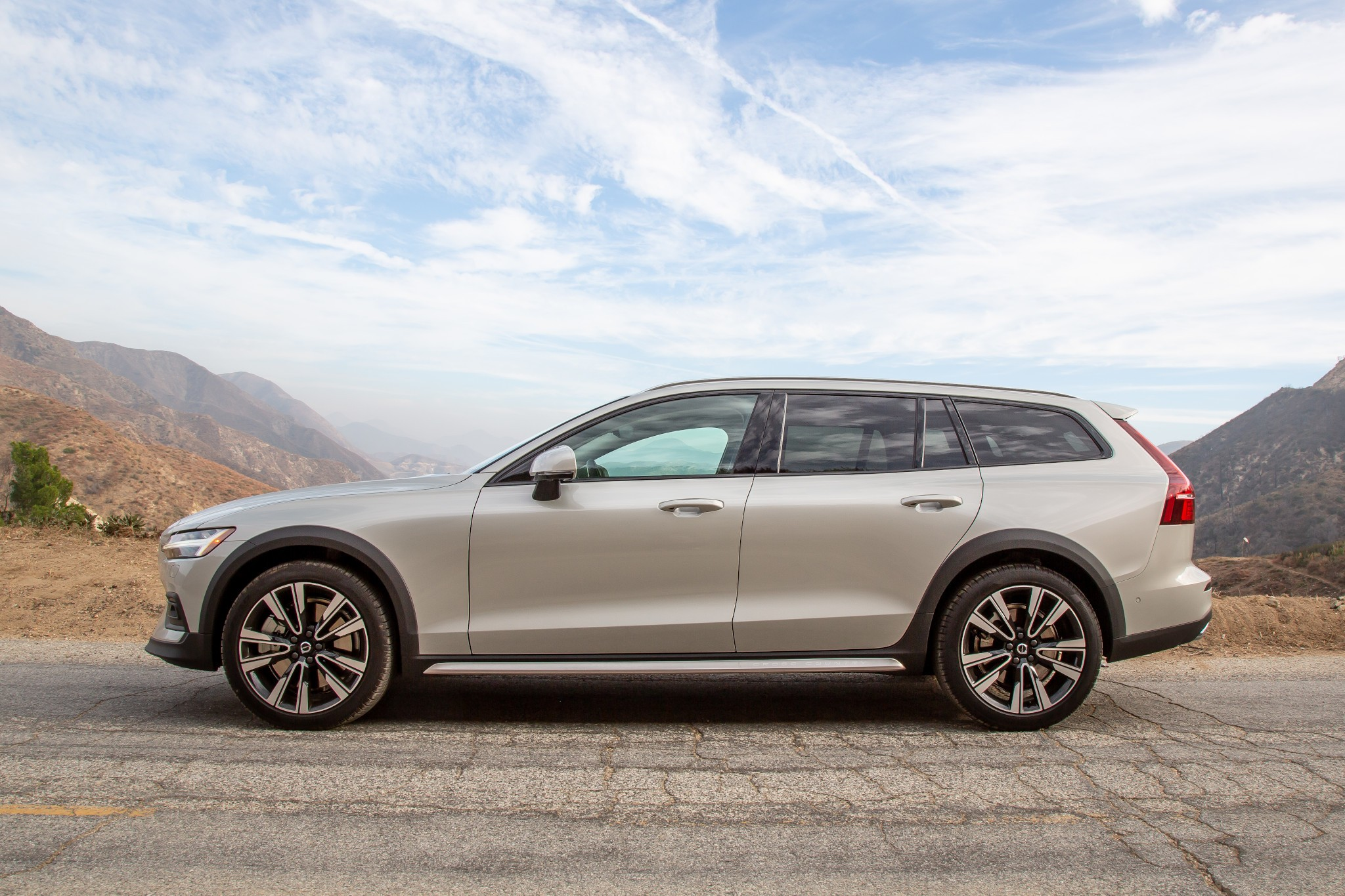2020 Volvo V60 Cross Country Review: You Raise Me Up