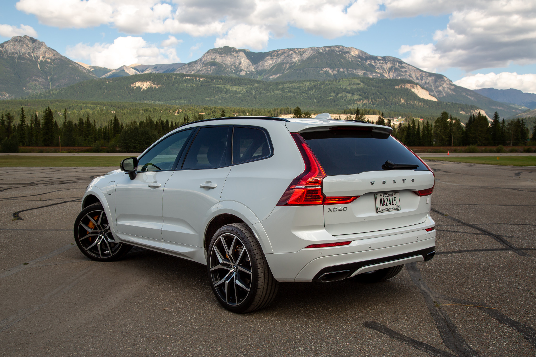 2020 Volvo XC60 Hybrid, Redesign, Specs >> 2020 Volvo Xc60 T8 Polestar Engineered Review Smooth Not