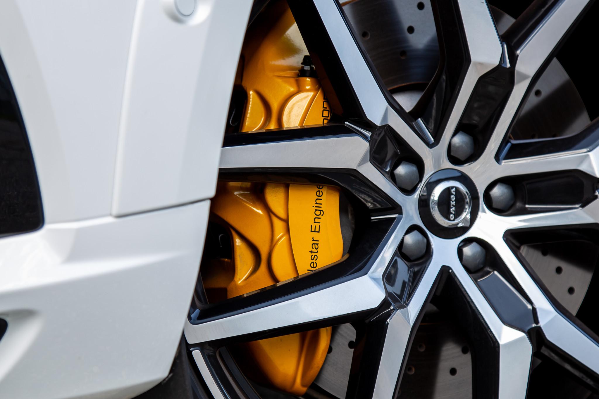 volvo-xc60-t8-polestar-2020-12-detail--exterior--wheel--white.jpg