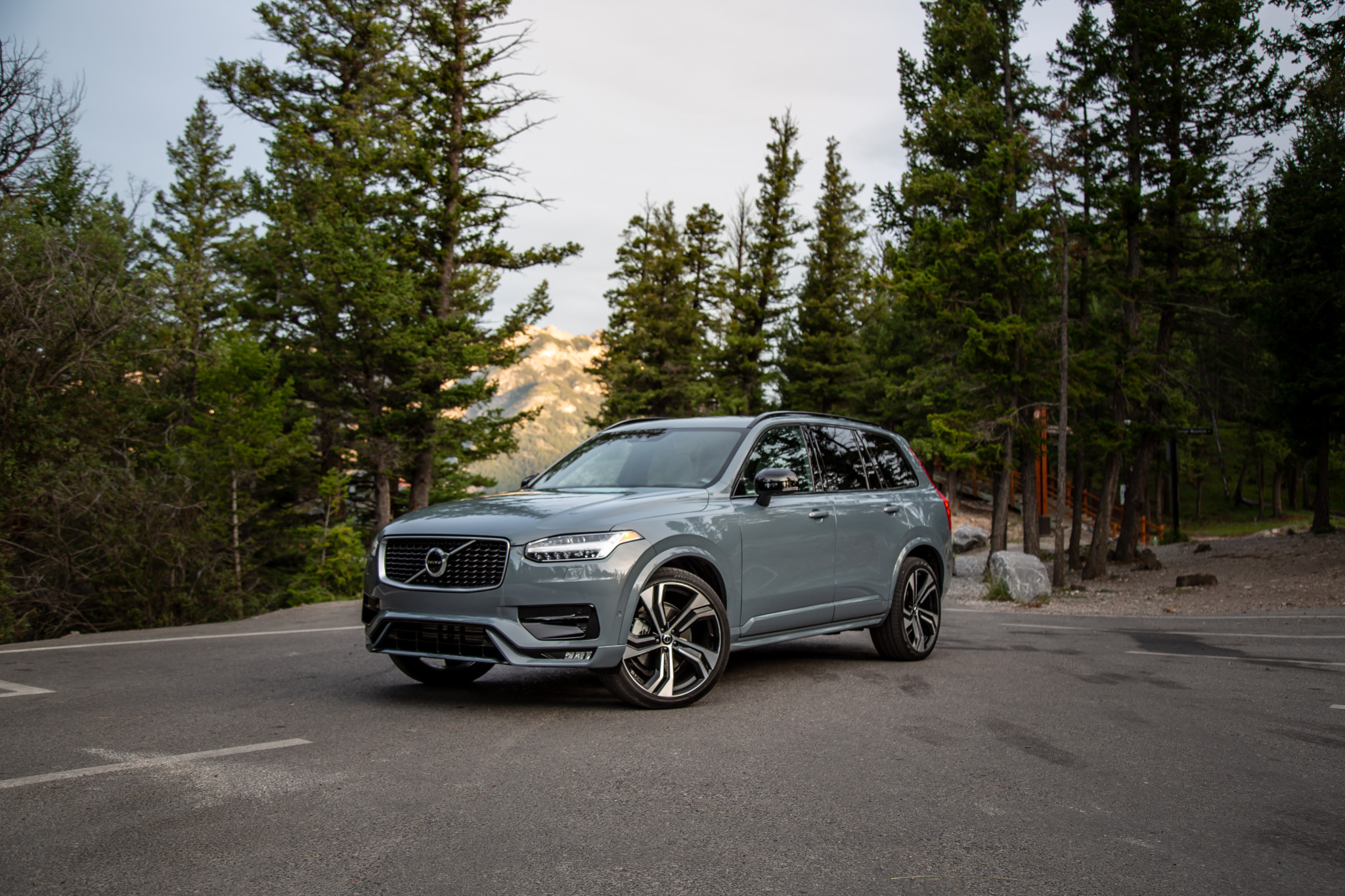 2020 Volvo XC90 Review: An Aging Icon Learns New Tricks ...