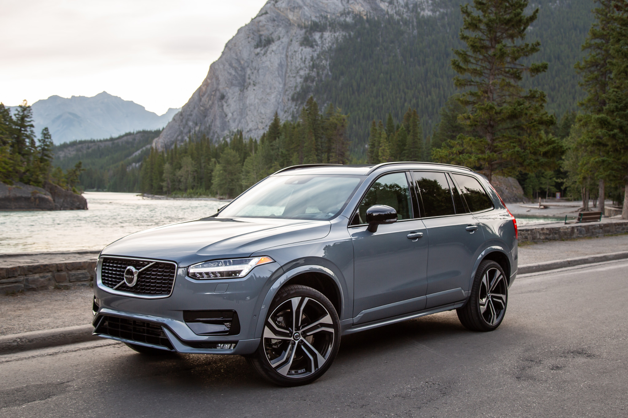 Top 5 Reviews and Videos of the Week: Volvo XC90 Makes Refreshing Return
