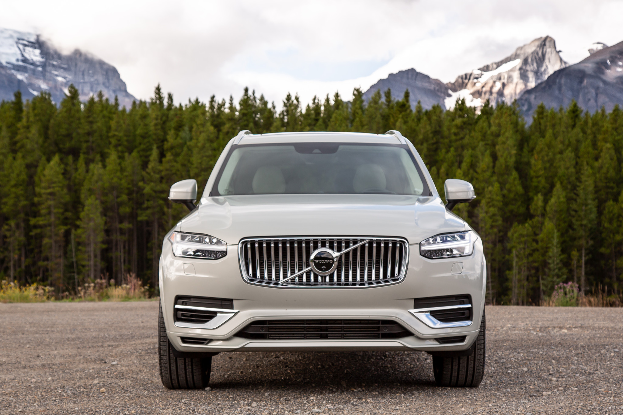 2020 Volvo XC90 Pros and Cons: 6 Things We Like (and 3 Not So Much)
