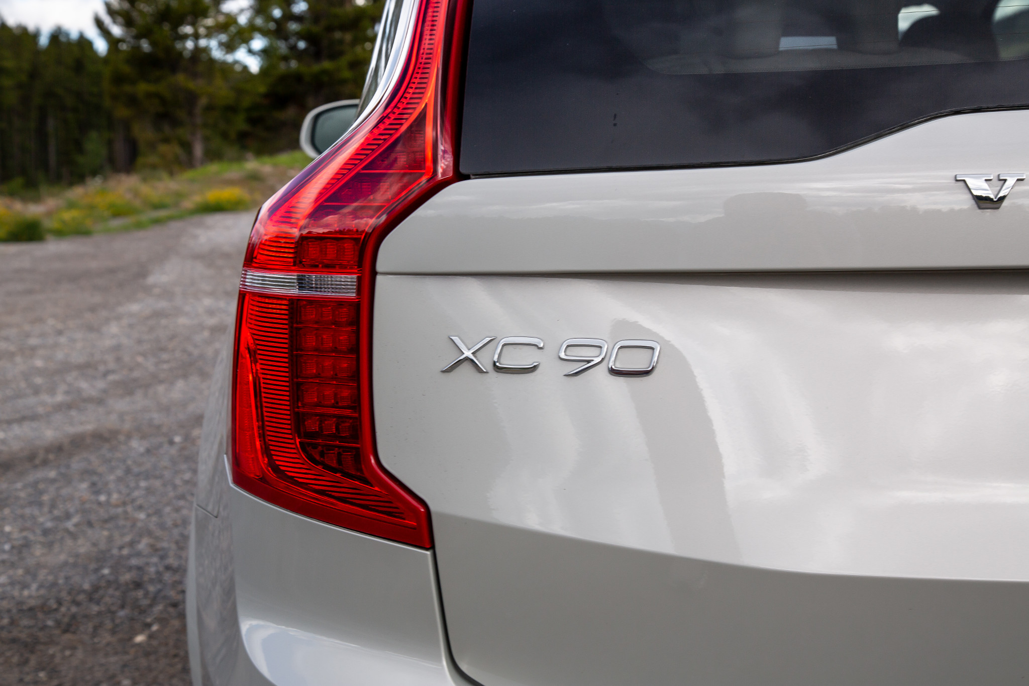2020 volvo xc90 pros and cons  6 things we like  and 3 not so much